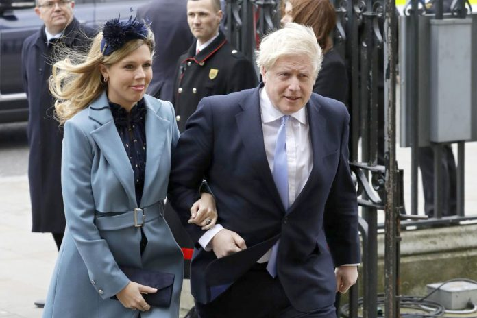 Boris Johnson et sa fiancée Carrie Symonds / Photo: DR